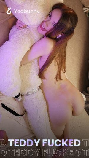 She fucked Teddy Bear